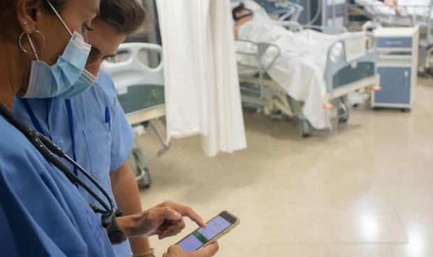 El Virgen del Rocío crea un manual de urgencias accesible desde el móvil