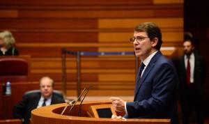 Mañueco se compromete a aumentar el gasto en Atención Primaria hasta el 20%