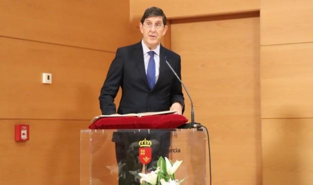 Manuel Villegas toma posesión como consejero de Salud de Murcia