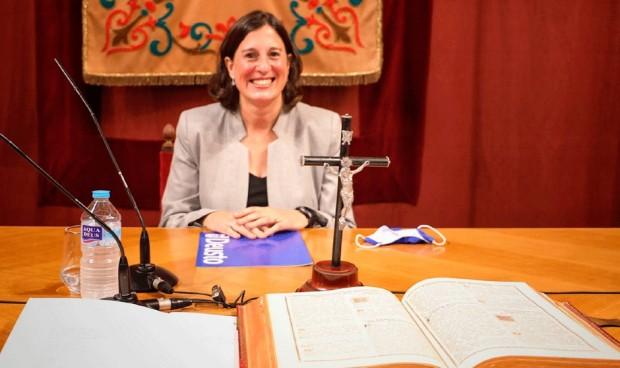 María Carrasco toma posesión como decana de Ciencias de la Salud de Deusto