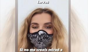 Marina Yers se equivoca y confunde las fibras de su mascarilla con larvas