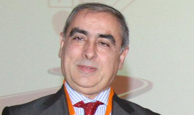 Martínez Olmos marca en corto al Gobierno por la hepatitis