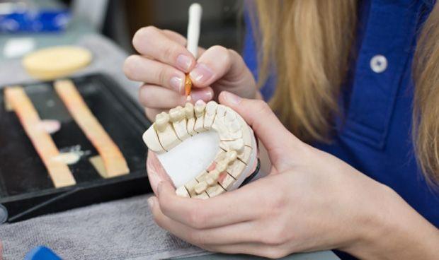 Más cáncer en mujeres posmenopáusicas con enfermedad periodontal