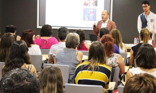 Más de 150 expertos debaten sobre el suicidio infantojuvenil en Vinalopó