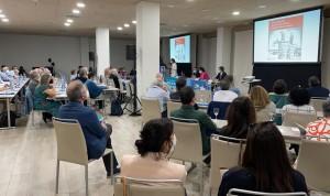 Más de 80 jefes de Servicio de Interna debaten sobre gestión clínica