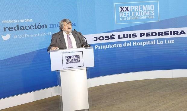 """Massa gana el XX Premio Reflexiones: """"Hay que pensar un nuevo SNS"""""""