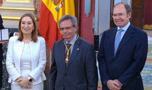 Matesanz recibe la medalla del Congreso por los 40 años de la Constitución