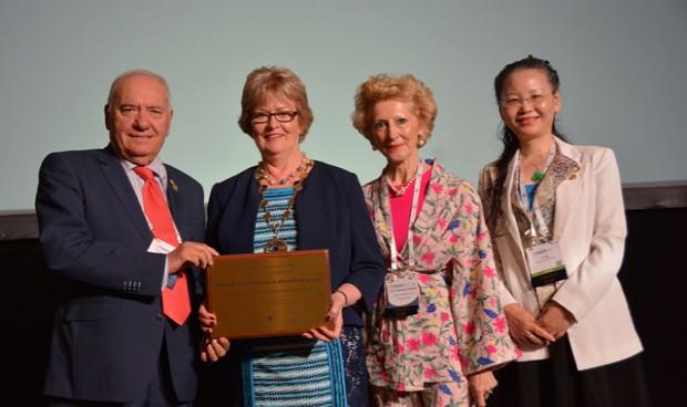 Máximo galardón internacional para Enfermería por sus políticas inclusivas