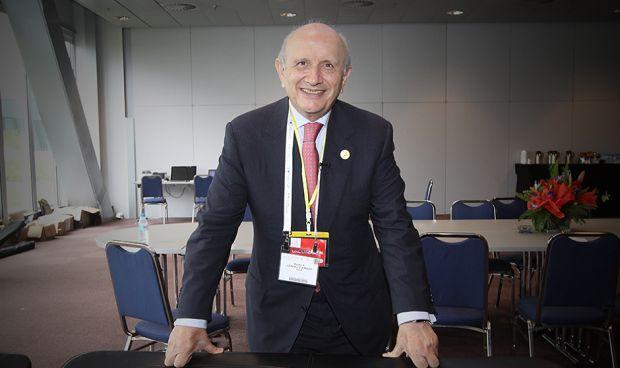 Máximo González Jurado cede el testigo: elecciones al Consejo de Enfermería