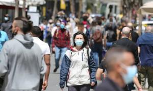 Mayoría médico-enfermera a favor de quitar las mascarillas al aire libre