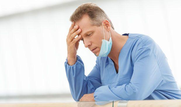 Médicos agotados por las guardias: más errores clínicos, sobre todo del MIR