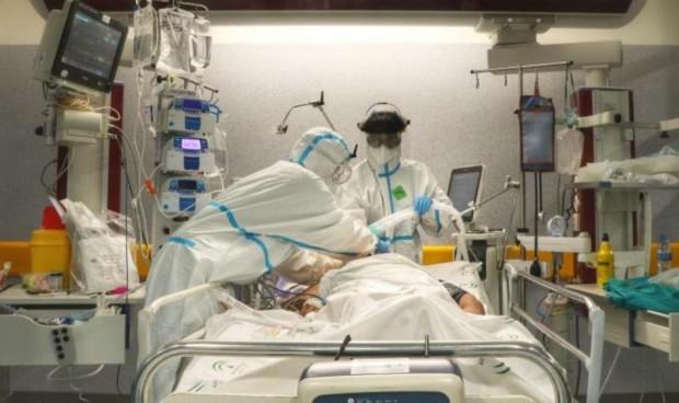 Médicos de Países Bajos alertan: paciente en la UCI tras rechazar la vacuna