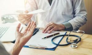 """Médicos indignados: """"No me digas que no soy obrero por cobrar 33.000€/año"""""""