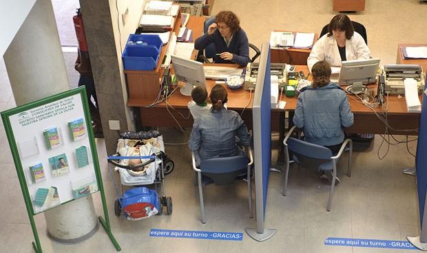Médicos y enfermeros andaluces aprenden cómo hacer frente a las agresiones