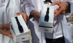 Médicos y enfermeros se compran sus propias pulseras para evitar agresiones