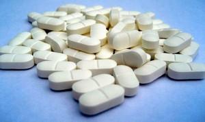 Un estudio describe nuevos riesgos del ibuprofeno y prioriza el paracetamol