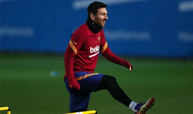 Messi gana en un día lo mismo que 5 médicos y 9 enfermeras al año
