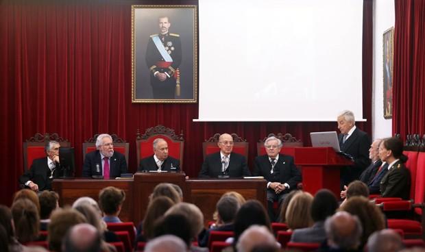 Miguel Carrero, nuevo miembro de la Real Academia de Medicina de Galicia