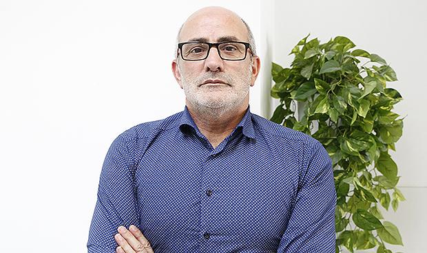 El consejero de Sanidad de Cantabria analiza la crisis del coronavirus y cómo cambiará la atención sanitaria