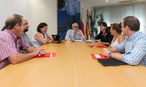 Miguel Rodríguez se compromete con el empleo estable y de calidad en el SCS