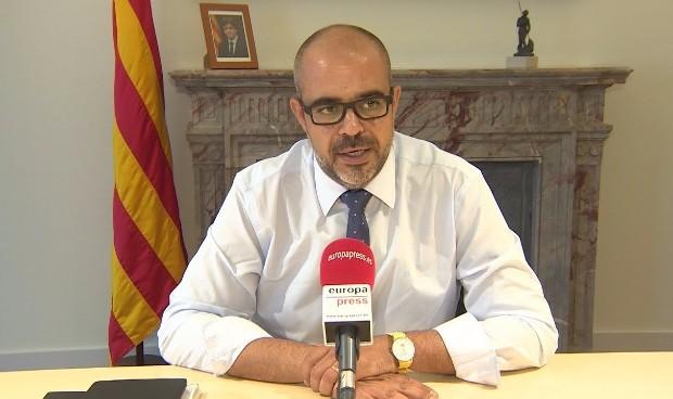 Cataluña se enreda en polémicas 'surrealistas' por su partida de mascarillas