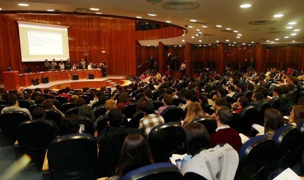 """El BOE ratifica fecha y elección """"exclusiva electrónica"""" de las plazas MIR"""