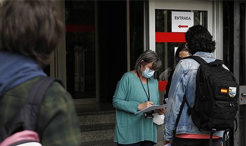 Sanidad fija el corte provisional del examen MIR 2021 en 156 puntos