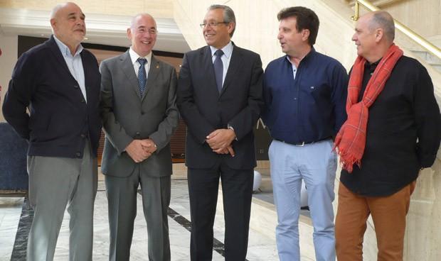 Miralles aboga por un pacto de Estado tras su reelección al frente del CESM