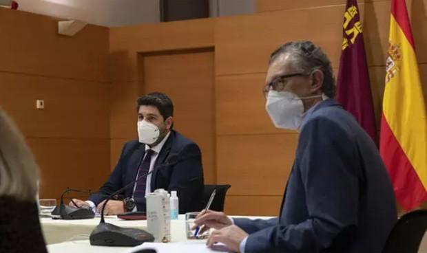 Moción en Murcia: PSOE y Cs pactan tras la vacunación irregular en Salud