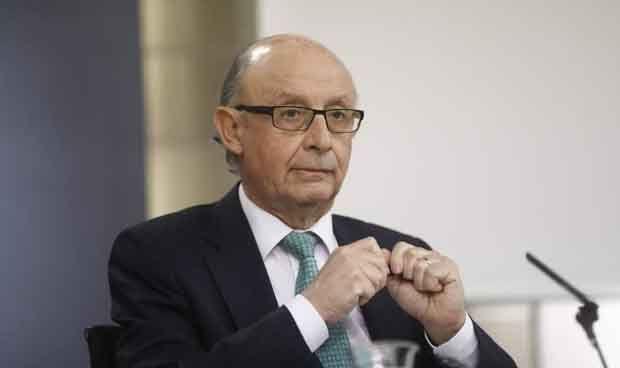 Montoro pide a Cataluña una lista de sanitarios que no trabajaron el 3-O