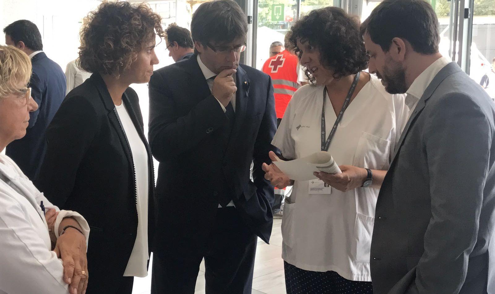 Montserrat, Puigdemont y Comín visitan a los heridos del atentado