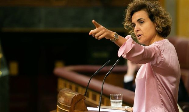 Montserrat relaciona la Sanidad Universal con la crisis migratoria
