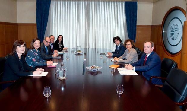 """Montserrat se cita con Darpón en una reunión de """"trabajo interno"""""""