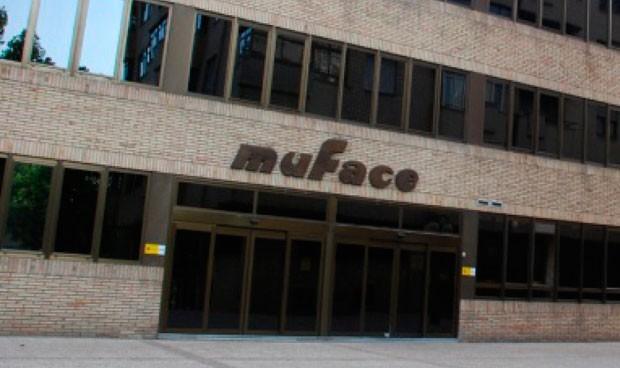 Muface: El SNS gana 4.000 mutualistas y la privada acumula el 80% del total