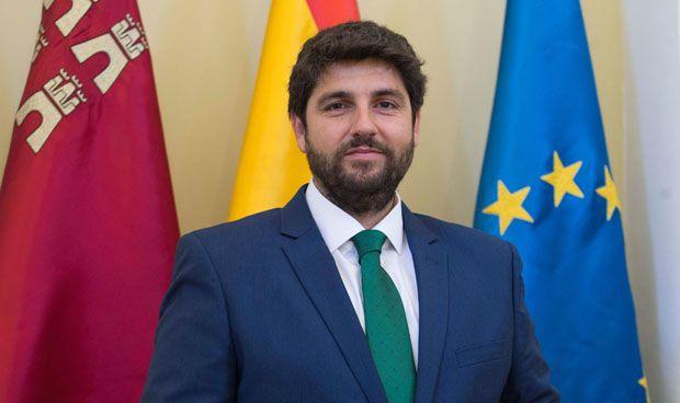 Murcia equipara lo salarios del personal del SMS y de la Administración