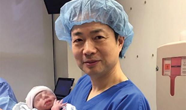 Nace un bebé con tres padres genéticos para evitar una enfermedad rara