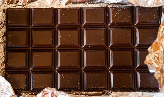 No hay pruebas concluyentes para afirmar que el chocolate previene el ictus