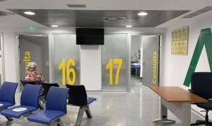 Ocho meses de cárcel y multa de 120 euros a una mujer que pateó a un médico