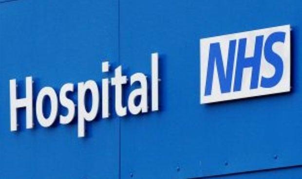 Oferta de empleo médico en Inglaterra: 220.000 euros de salario máximo