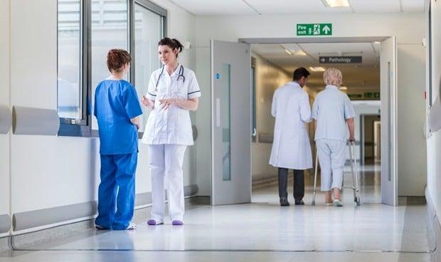 OMS: España queda fuera del top 20 de médicos por habitante en la década