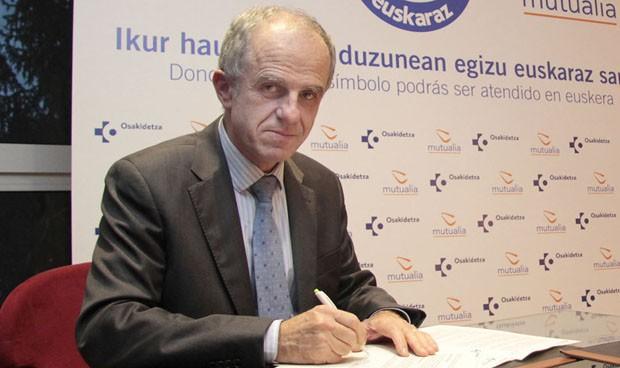 Osakidetza firma un acuerdo para potenciar el euskera en Vizcaya