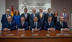 Óscar Castro, reelegido presidente del Consejo General de Dentistas