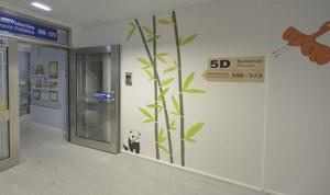 Osos panda humanizan la planta de Pediatría del Hospital de Cruces