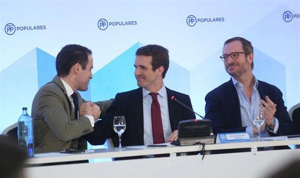 Pablo Casado ficha a tres médicos para acompañarle en la dirección del PP