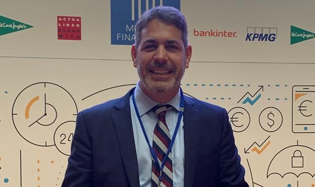 Reconocido entre los 100 mejores directivos financieros de la década