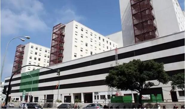 Un paciente Covid provoca un incendio para huir del hospital Puerta del Mar