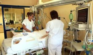 Pacientes desagradecidos: llega en helicóptero y se queja por la habitación