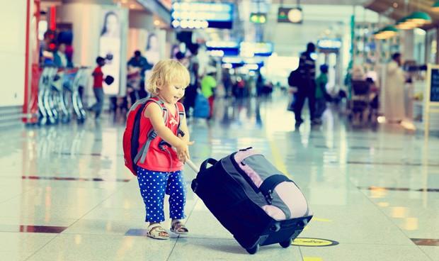 Pediatría lanza medidas de prevención en viajes tropicales con niños