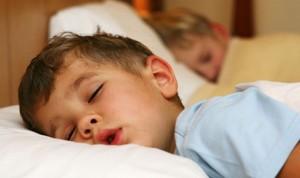 Pediatría trabaja en la elaboración de un documento de trastornos del sueño