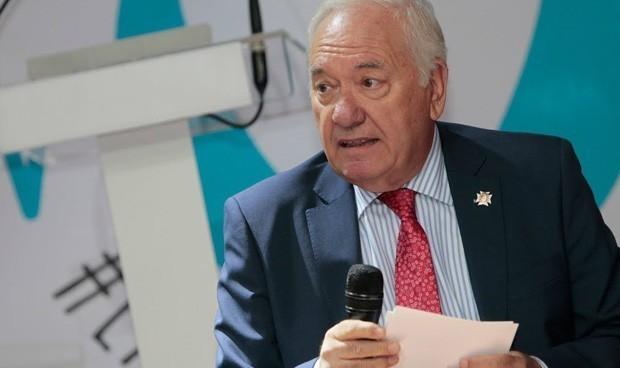 Pérez Raya ofrece más dinero a los Colegios para seguir de presidente